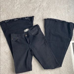 Free people bell bottom jeans! Size 26